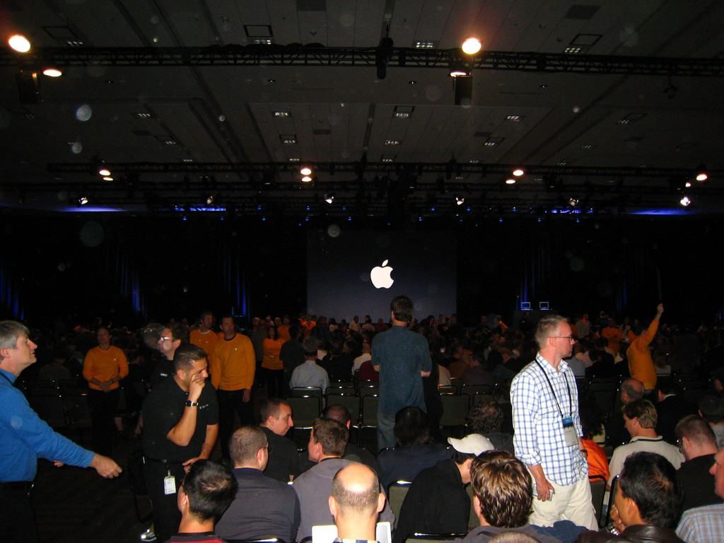 Keynote audience.jpg