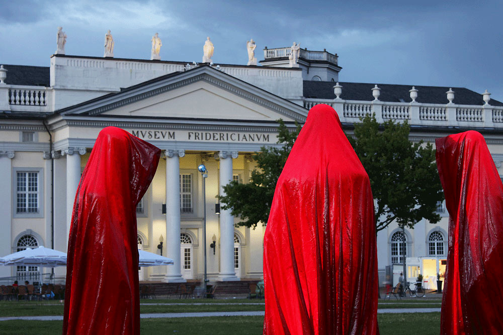 contemporary-art-documenta-kassel-time-guards-manfred-kielnhofer-sculpture.jpg