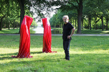 contemporary-art-sculpture-documenta-show-time-guards-kili-manfred-kielnhofer.jpg