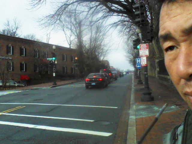 dtr0648wisconsin ave,33st dc pm0206 dec292012 sat.jpg