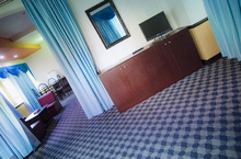 Royal-Suite-Room-16.jpg
