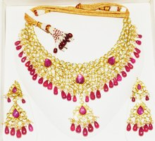 Necklace and Earring Set of Gold at Exotic Gold Jewelry